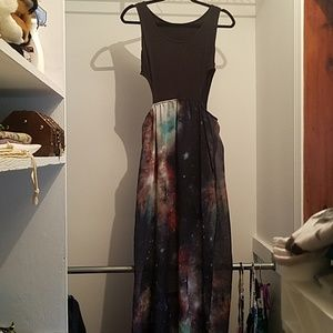 Side cutout maxi dress